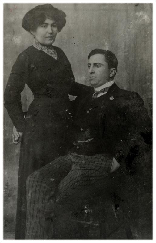 Љуба Вукомановић (1884-1932) и његова жена  Софија-Тута Барбуловић Вукомановић (1880-1942), путујући глумци