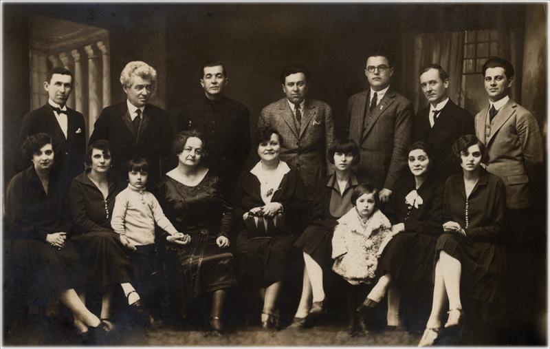 Ансамбл Путујућег позориште Михаила Лазића  са Жанком Стокић као гостом, Крушевац, 1928.