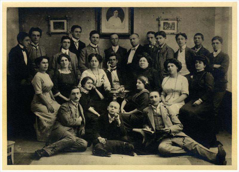 Путујуће позориште Михаила Лазића на гостовању у Врњачкој бањи, око 1911.